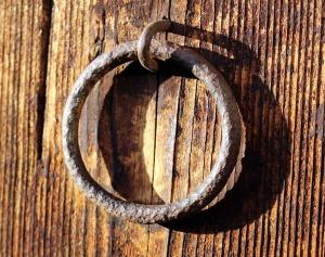 metal-ring-1152237_960_720