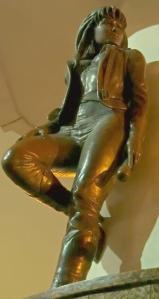 Selena_Quintanilla_statue_Mirador_de_la_flor