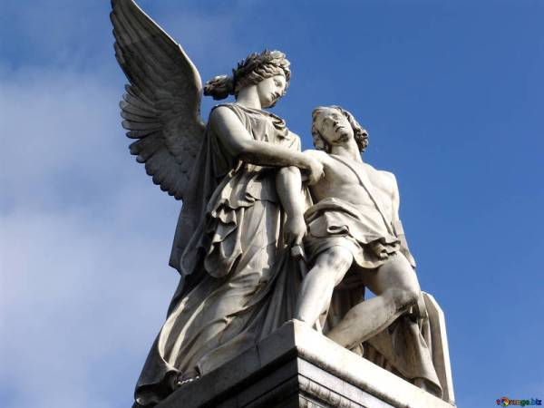 berlin-sculptures-mythical-ancient-greek-gods-11876
